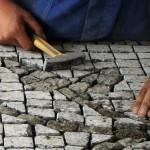 Układania kostki granitowej